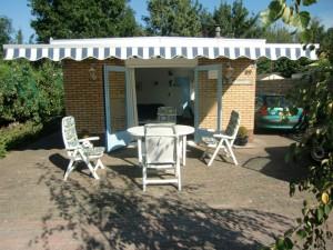 Terras bungalow 't Schuurke Zeeland